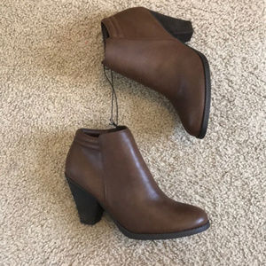 Brand new Mia brown ankle Luce boots size 8